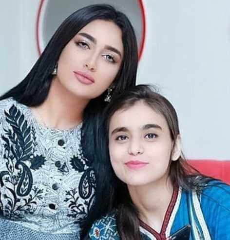 Rose Mohammad with Mathira