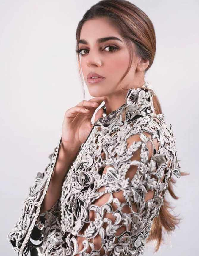 Sanam Saeed HD Picture