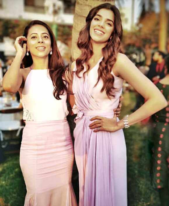 Sanam Saeed with her co-artist